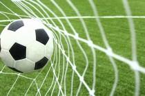 Fútbol: Liga Adrián Beccar Varela