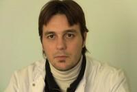 Hugo Cisneros estuvo en observación durante 4 horas y luego firmó el alta voluntaria