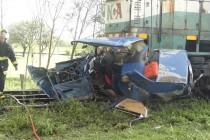 En Ballesteros un automóvil fue arrollado 300 metros por un tren