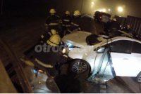 Despistó un automóvil e impactó contra acoplado estacionado en al banquina
