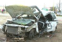 Murió remisero que perdió control de su auto al esquivar equino e impactó contra un árbol