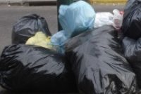 Curiosidades.- Ante la falta de recolección de residuos….