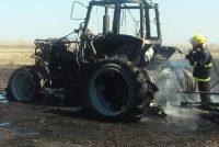 Incendio de un tractor que se encontraba sembrando  afectando 70 hectáreas