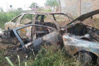 Incendio total de un automóvil en calle Quintana 1450
