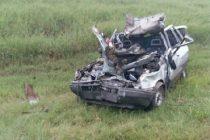 Despistó un automóvil en autopista en Bell Ville, chocó contra guardarrail y su conductor falleció