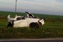 Seis personas fallecidas de Armstrong en un choque frontal entre dos autos