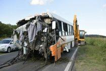 Doce muertos y seis heridos graves en un choque entre dos micros en la ruta 33 en Pérez