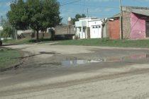 Reclamo por agua estancada e inundaciones en calle Quintana 1300