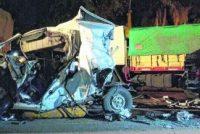 Accidente en ruta 91 en La Ribera: una Traffic quedó aprisionada entre dos camiones, uno de Marcos Juárez