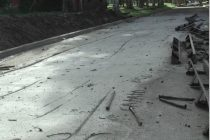 Daños sobre el asfalto de calle Juan B. Justo a solo dos días de la reparación