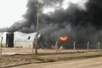Feroz incendio en galpón de depósito de combustible de Monte Maiz