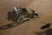 Choque entre moto y auto en Champagnat y Santa Fe con dos jóvenes  de Leones hospitalizadas