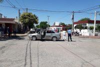 Importante choque entre dos automóviles en zona urbana de Leones
