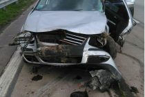 Vuelco en solitario en autopista en General Roca con el fallecimiento de una anciana y una mujer sufrió la amputación de una pierna