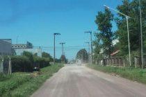 Abundante tierra y polvareda en calle Los Piamonteses y ruta 9