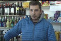 """El hombre venía caminando por calle Avellaneda aparentemente alcoholizado y antes de entrar al kiosco intentò abrir la puerta de una casa y un auto"""""""