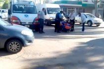 Accidente entre camioneta y moto.-