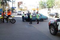 Choque entre moto y auto en Lardizábal y 9 de Julio