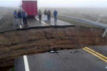 Comodoro Rivadavia: la ruta 3 se partió y cayó un camión