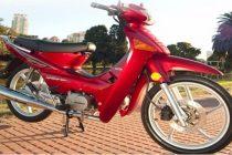 """Pagamos mil pesos para recuperar nuestra moto. A mi hermano le arrojaron gas pimienta.  Son siempre los mismos chicos y son menores"""""""