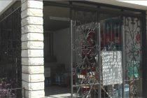 Robo en un almacén del barrio sur, donde utilizaron un hierro con punta para  sacar productos
