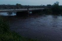 """Edgardo Bravin: Años atrás con una lluvia de esta magnitud, el agua pasaba arriba de la ruta"""""""