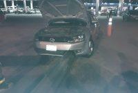 Un automóvil impactó contra guardarrail en área de servicios de Leones
