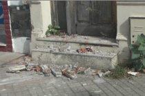 Se cayó parte de mampostería de la puerta de una antigua vivienda ubicada en zona céntrica