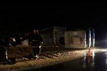 General Roca: Vuelco de un camión cargado con soja en autopista