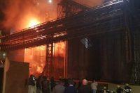 Incendio de magnitud en la Aceitera General Deheza