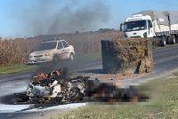 Reconocido empresario de Villa Maria murió calcinado al chocar su moto contra un fardo en la ruta 158